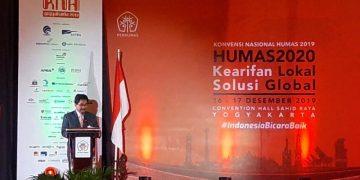 Direktur Jenderal Informasi dan Komunikasi Publik Kemenkominfo Prof. Widodo Muktiyo saat membacakan sambutan Menkominfo Johnny G. Plate dalam Konvensi Nasional Humas ke-20 di Yogyakarta, Senin (16/12/2019)