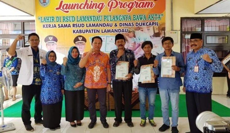 Bupati Lamandau Hendra Lesmana saat launching program Lahir di RSUD Lamandau, Pulangnya Bawa Akta, Kamis (19/12/2019)