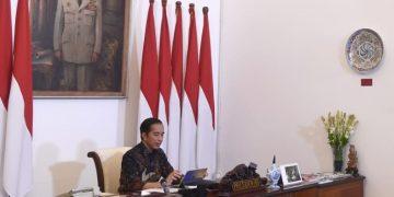 Presiden Joko Widodo mimpin rapat terbatas melalui telekonferensi dari Istana Merdeka, Jakarta, pada Selasa, (12/5/2020) meminta adanya evaluasi dan keterhubungan data secara menyeluruh terkait dengan efektivitas pelaksanaan PSBB.