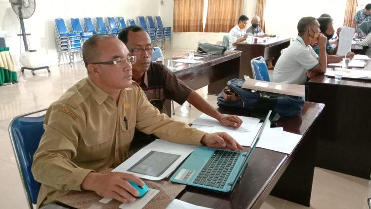Suasana Pelatihan Akuntansi dan Penyusunan Laporan Keuangan Koperasi bagi Pengurus Koperasi, Kabupaten Lamandau Tahun 2020