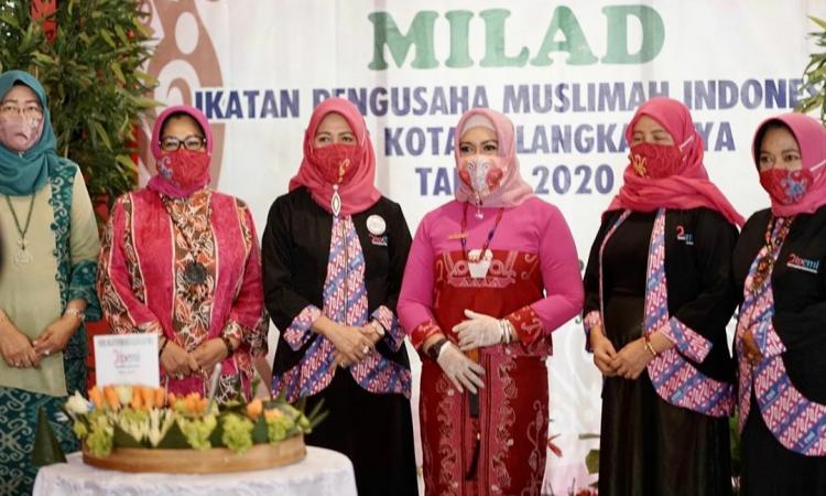 Wakil Wali Kota Palangka Raya, Hj. Umi Mastikah (tengah) saat menghadiri acara milad IPEMI ke-3 di salah satu restoran yang ada di Kota Palangka Raya, Sabtu (18/7/2020)