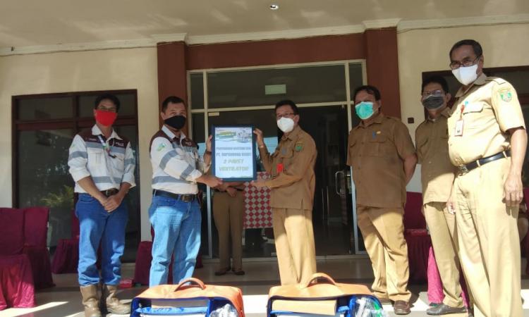 Managemen PT SIS menyerahkan bantuan Ventilator ke Pemerintah Kabupaten Barito Timur