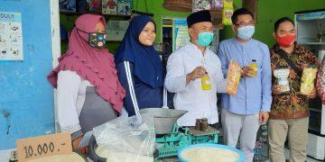 Gubernur Kalteng Sugianto Sabran, menyambangi salah satu UMKM mandiri di Kabupaten Kotim, dalam kunjungan kerja ke Kabupaten Kobar dan Kotim, Senin (3/8/2020) (Foto PKP)