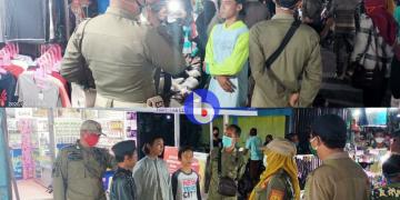 Sejumlah warga terjaring tidak menggunakan masker di pasar malam Pulang Pisau, Rabu malam, (16/9/2020)