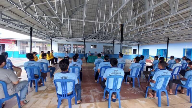 WBP Lapas Palangka Raya saat mengikuti jalannya sosialisasi Permenkumham No 24 Tahun 2021