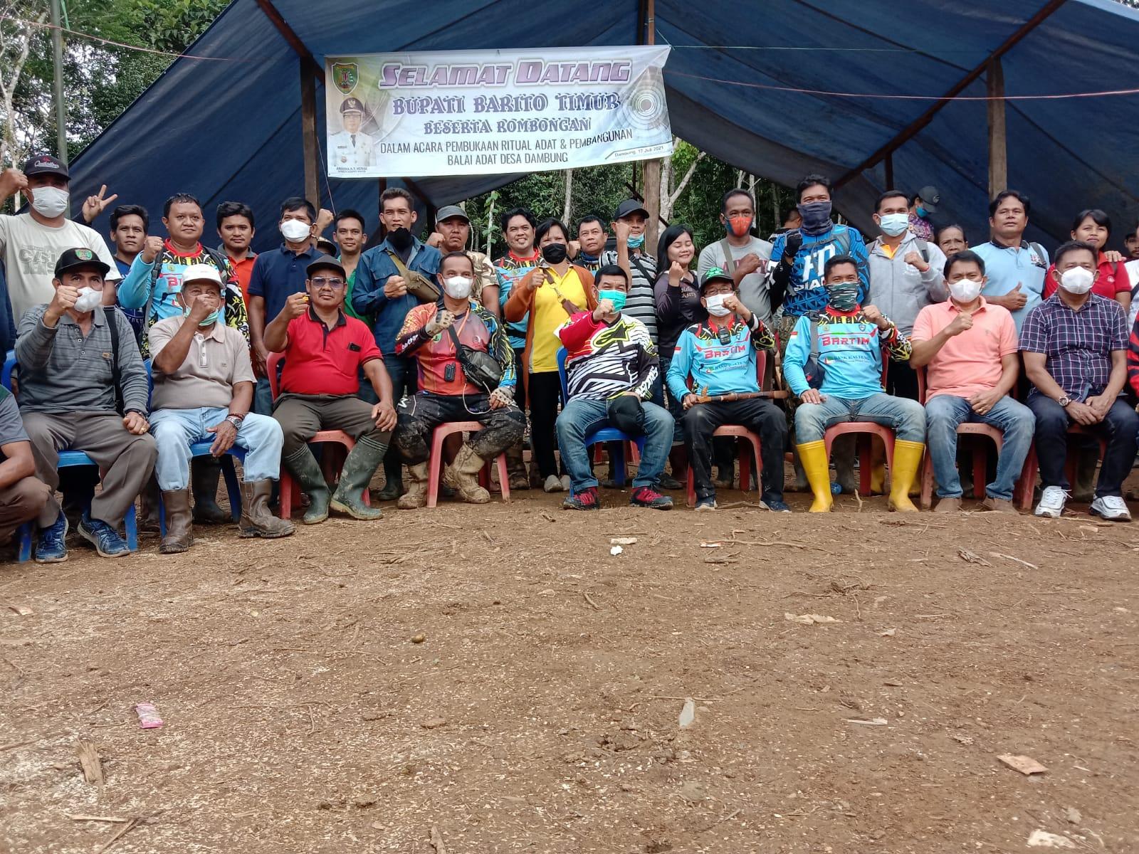 Acara peresmian pembangunan balai adat serta pembukaan upacara adat di Desa Dambung, Kecamatan Dusun Tengah, Sabtu (17/7/2021)