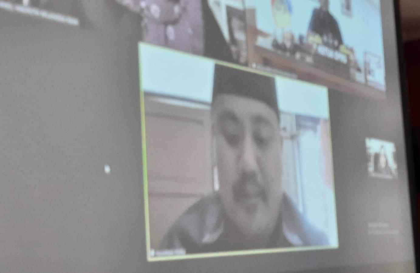 Juru Bicara Fraksi PAN DPRD Palangka Raya, Noorkhalis Ridha, saat menyampaikan pandangan umum Raperda Prokes