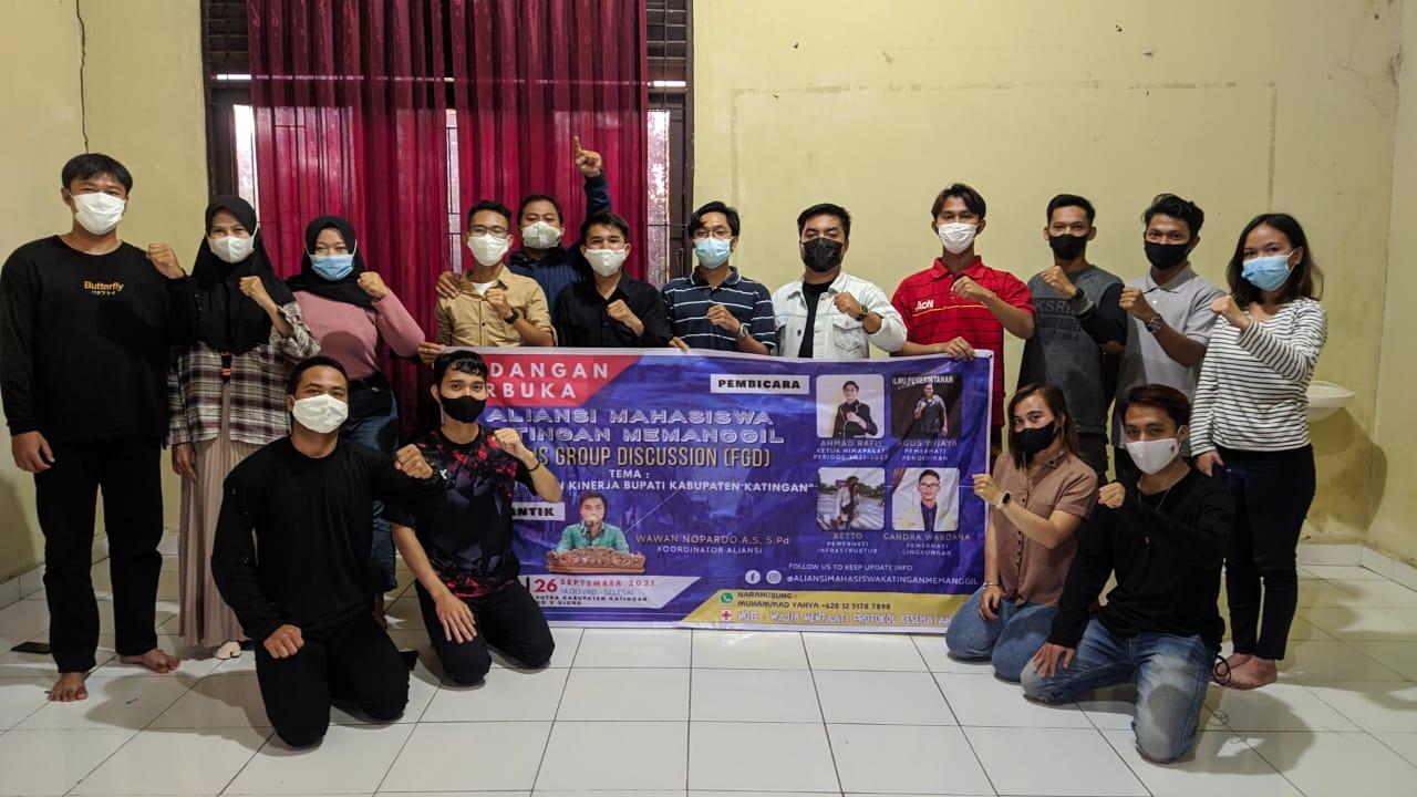 Foto bersama Aliansi Mahasiswa Katingan Memanggil