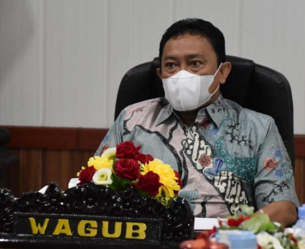 Wakil Gubernur Kalteng H. Edy Pratowo saat menghadiri secara virtual Rapat Koordinasi Pembahasan Monitoring dan Evaluasi PPKM Level 4 di Luar Jawa Bali
