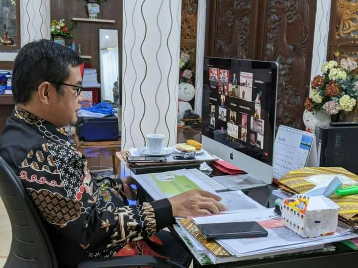 Bupati Barito Timur, Provinsi Kalimantan Tengah, Ampera AY Mebas dalam kegiatan Tor Forum Diskusi Serumpun Kalimantan yang digagas dan diselenggarakan secara virtual oleh Seknas Jokowi Kalimantan Selatan, Sabtu (12/9/2021)