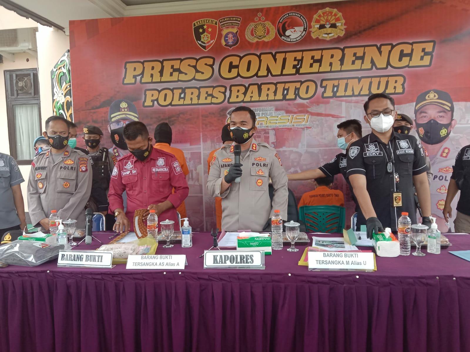 Press Conference di Halaman Mapolres Barito Timur, Senin (13/9/2021)