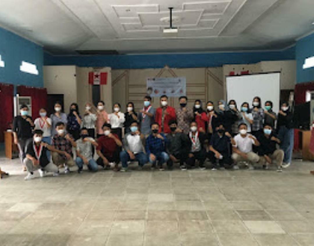 Foto bersama anggota baru DPK GMNI FEB UPR dan FISIP UPR