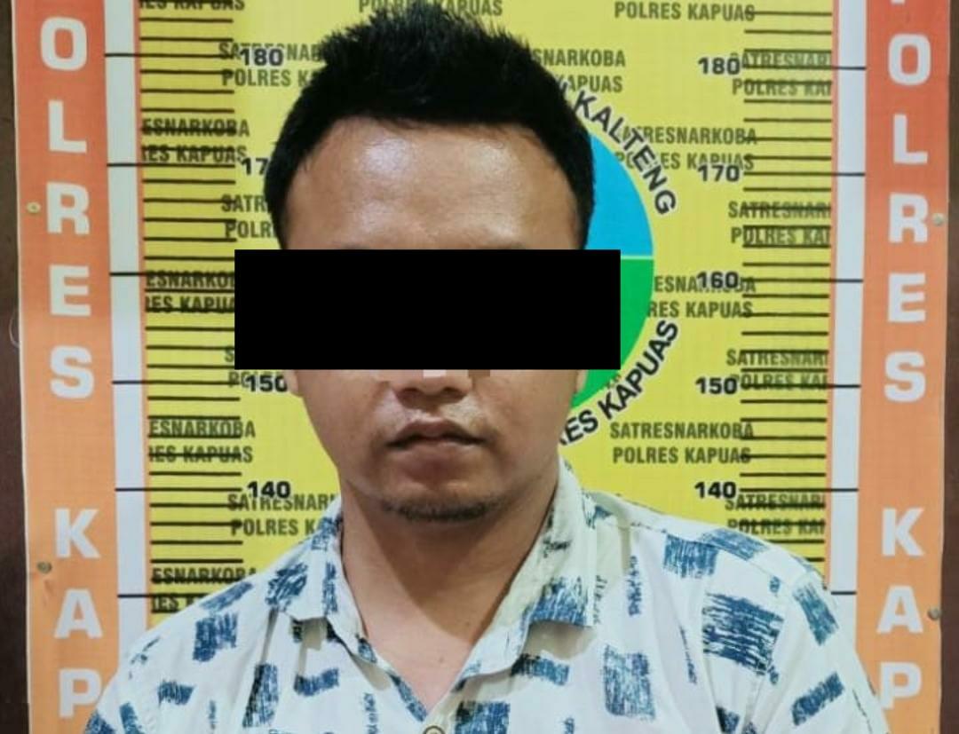 Pelaku kasus narkoba saat diamankan di Polres Kapuas