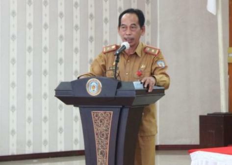 Asisten I Bidang Pemerintahan dan Kesejahteraan Sosial, Sekretariat Daerah Kabupaten Murung Raya Serampang membuka secara resmi acara Pelatihan Pengelolaan Keuangan Desa Tahun 2021
