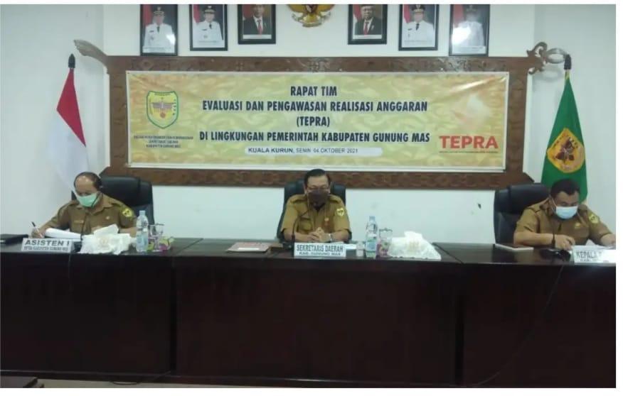RapatTepra di ruang rapat lantai 1 kantor Bupati Gunung Mas, Senin (4/10/2021)