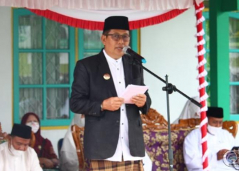 Wakil Bupati (Wabup) Mura Rejikinoor saat menjadi pembina upacara, peringatan Hari Santri Nasional (HSN) 2021, Jumat (22/10/2021)